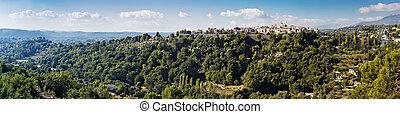 panoramische ansicht, von, a, dorf, in, der, alpes-maritimes
