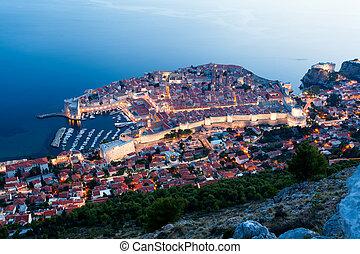 panoramische ansicht, von, dubrovnik, an, night., kroatien