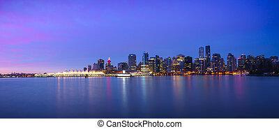 panoramische ansicht, von, vancouver skyline, an, sonnenaufgang