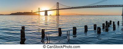 panoramix, vista, de, amanecer pintoresco, encima, el, bahía de san francisco, puente