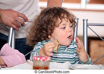 panqueques, niño, poco, comida