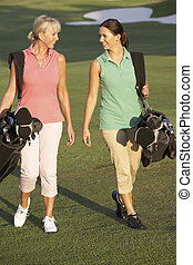 pantalló, gyalogló, golf, két, folyik, szállítás, mentén, nők