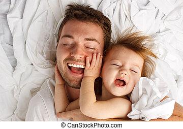 papá, hoja, colocar, risa, niño, blanco
