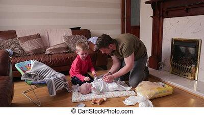 papa aidant, changement, bébé