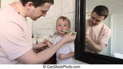 papa, brossage, salle bains, sien, décliner, fils, dents