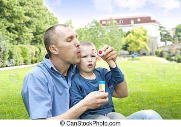 papa, bulles, souffler, savon, fils