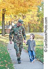 papa, en, zoon, wandelende