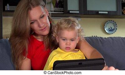 papa, fille, famille, tablette, computer., conversation, vidéo, maman, appeler