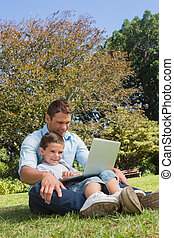 papa, gai, ordinateur portable, fils