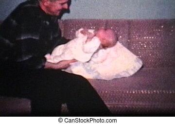 papa, garçon, sien, (1962), haut, bébé, cueillette
