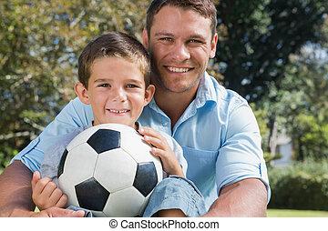 papa, heureux, football, parc, fils