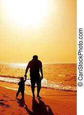 papa, plage, coucher soleil, enfant