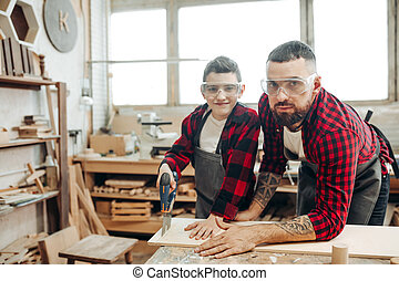 papa, sien, fonctionnement, bois, fils, atelier, scier, planches
