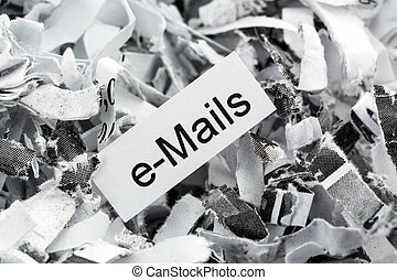 papel destrozado, palabra clave, correos electrónicos