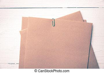 papel marrón, con, verde, clip, vendimia, estilo