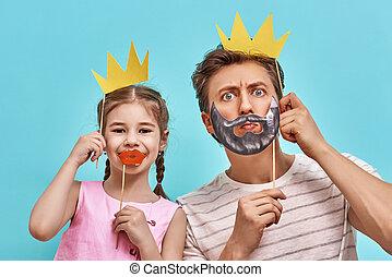 papier, enfant, tenue, couronne, papa