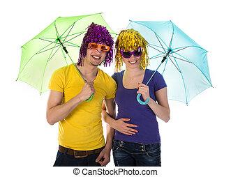 par, óculos de sol, guarda-chuvas, perucas
