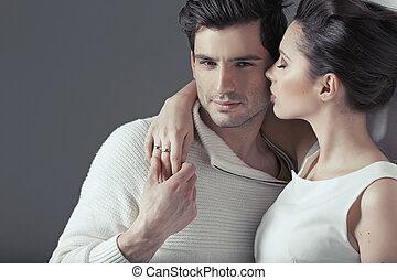 par, abraço, jovem, sensual, atraente