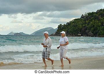 par ancião, executando, ligado, praia
