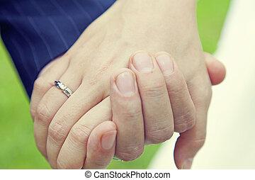par, anel casamento, segurar passa
