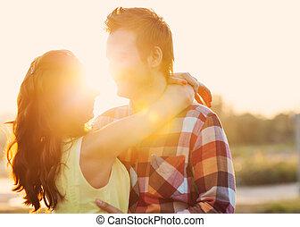 par, ao ar livre, amor, jovem