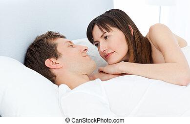 par, cama, seu, junto, mentindo, feliz