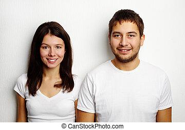 par, camisetas brancas