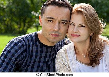 par, casado, ao ar livre