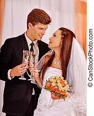 par, champanhe, bebendo, casório