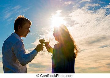 par, com, um, vidro vinho vermelho, contra, a, sol