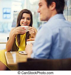 par, desfrutando, um, café