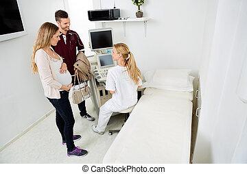 par, expectante, olhar, clínica, femininas, ginecologista
