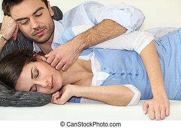 par, fazendo exame uma sesta, ligado, sofá