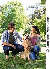 par feliz, com, seu, cão, parque
