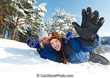 par, feliz, inverno, sledding, jovem