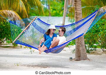par feliz, ligado, férias verão, relaxante, em, rede