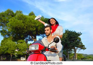 par feliz, ligado, um, scooter, em, férias verão