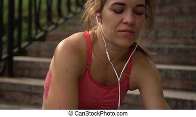 par, femme, musique écouter, écouteurs