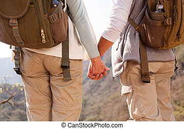 par hand i lik hand, fotvandra