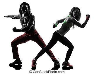 par, herre och kvinna, exercerande, fitness, zumba, dansande, in, silhuett, vita, bakgrund