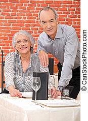 par, idoso, restaurante
