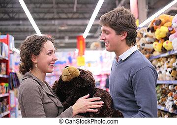 par, in, butik, med, len leksak