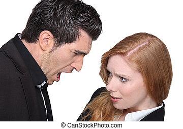 par jovem, argumentar