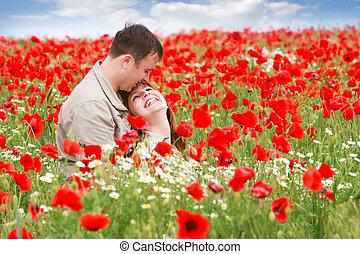 par, jovem, campo, papoulas, vermelho, amando