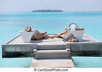 par, jovem, divirta, praia, feliz