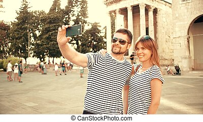 par, jovem, férias, fazer, selfie, feliz