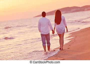par jovem, ligado, praia, divirta