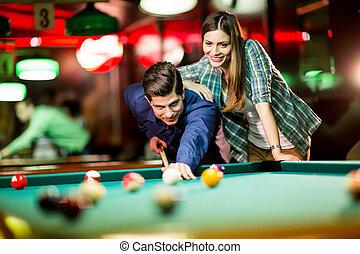 par, jovem, piscina, tocando