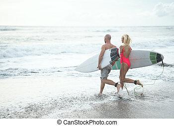 par jovem, praia