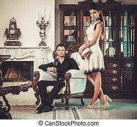 par, jovem, repouso luxuoso, interior